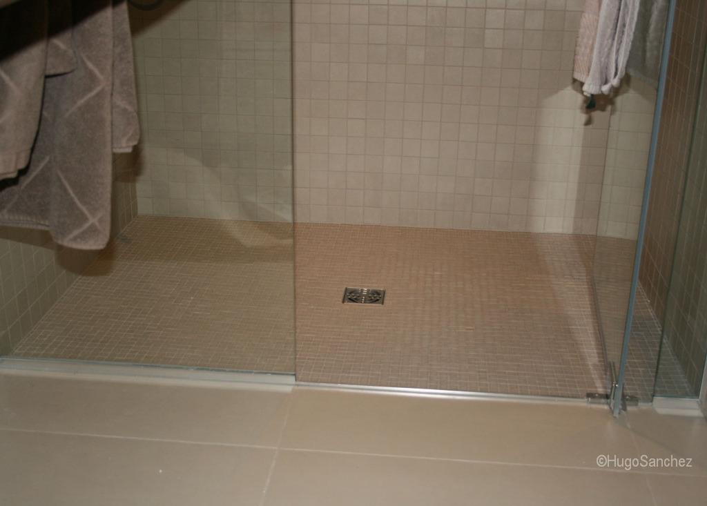 kitchen floor tile black flooring ideas basement curbless shower - céramiques hugo sanchez inc