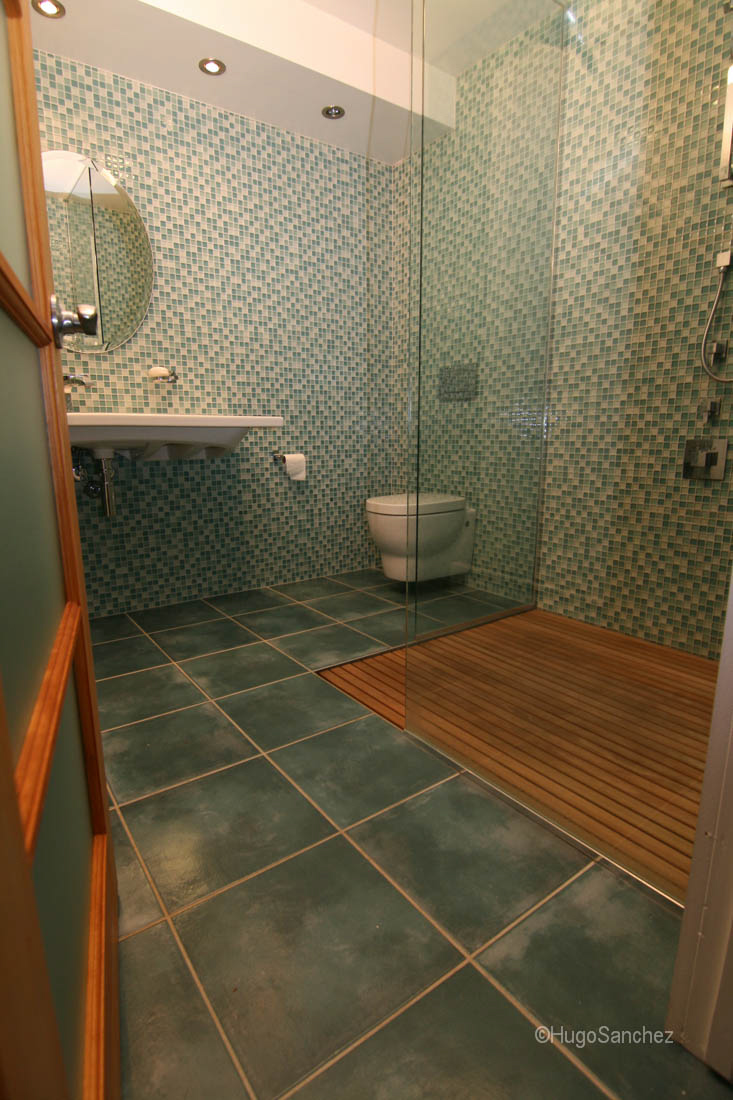 Duckboard shower  Cramiques Hugo Sanchez Inc