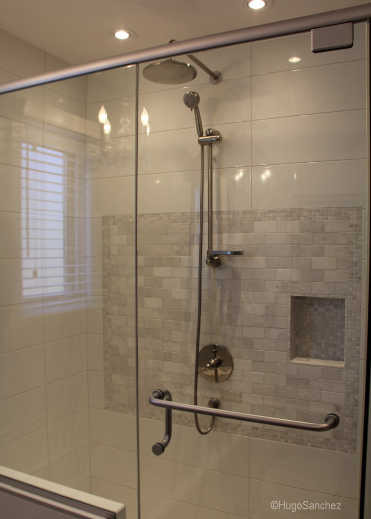 Raised shower base  Cramiques Hugo Sanchez Inc
