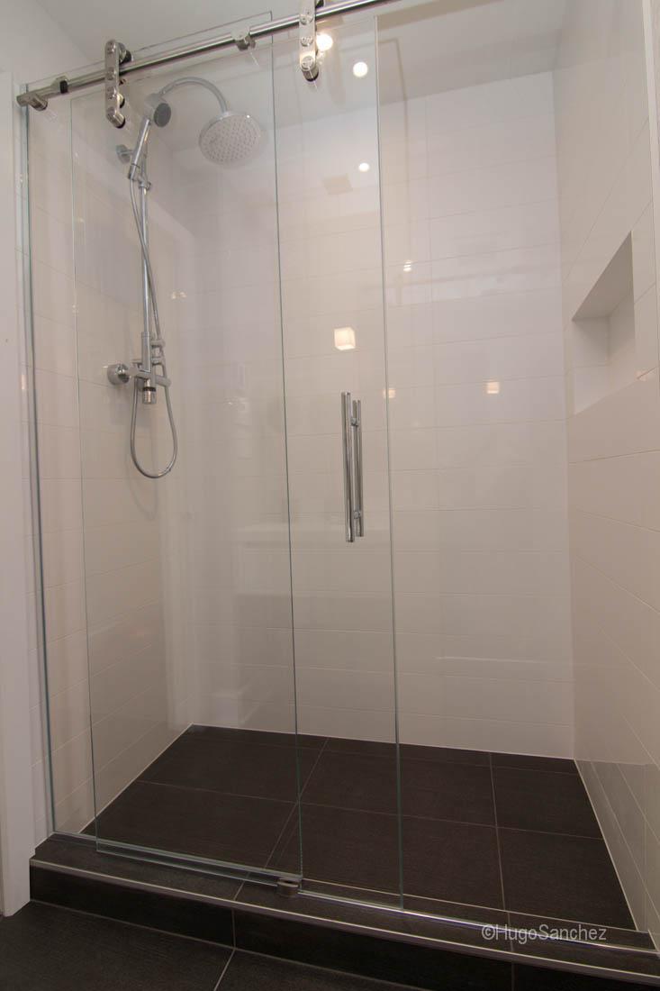 Linear shower drain  Cramiques Hugo Sanchez Inc