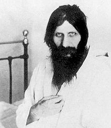 Rasputin_near_1914