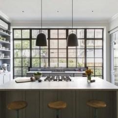 Black Eames Chair Folding Online Flipkart Klassieke Landelijke Keuken In Herenhuis | Huis-inrichten.com