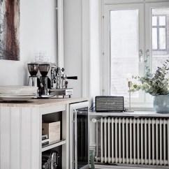 Wishbone Chairs White Dining Chair Slipcovers Ruime Lichte Keuken Met Eetkamer | Huis-inrichten.com