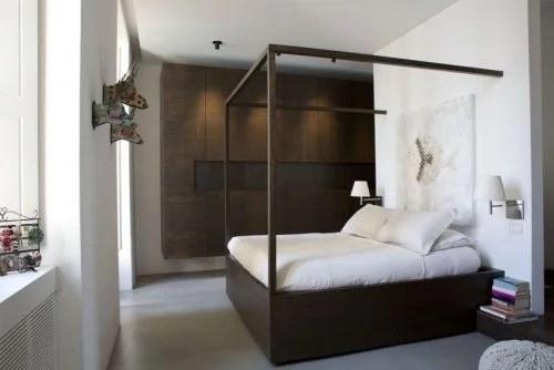 Warme tinten in een strakke Italiaanse slaapkamer