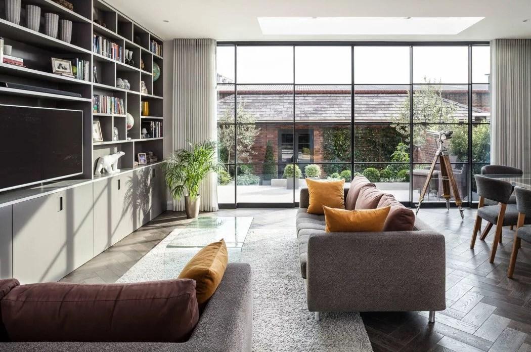 Deze woonkamer heeft een inspirerende uitbouw gekregen