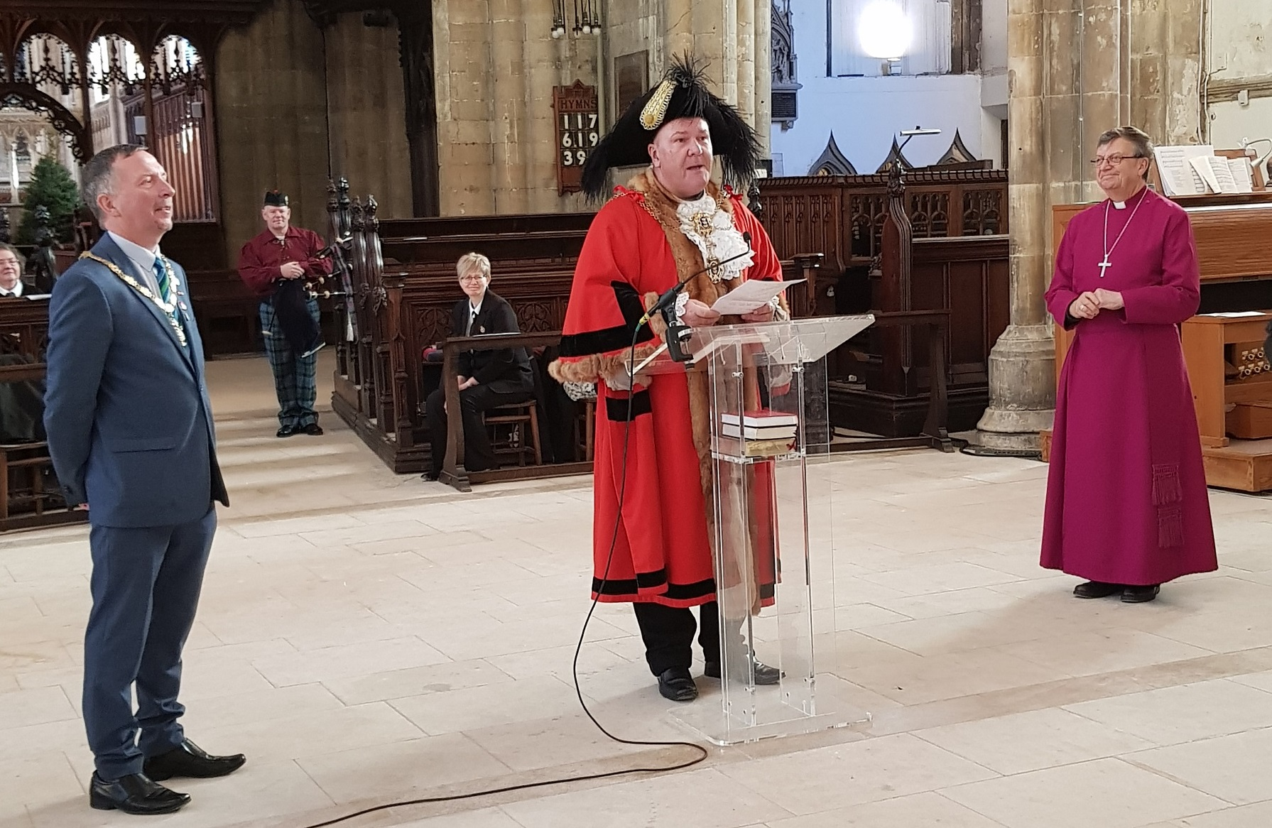 Lord Mayor Councillor Steve Wilson opens the Christmas Tree Festival at Hull Minster.