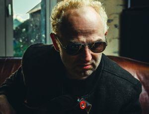 "Franck at Drudenhaus Studio plays bass for the second album : ""Burning Icons"""