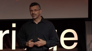 Photo of Why TED Talks don't change people's behaviors: Tom Asacker at TEDxCambridge 2014