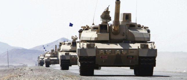 Le 7 janvier au Yémen, les chars Leclerc de fabrication française sont déployés, lors d'une opération militaire contre des rebelles houthis et leurs alliés. © Saleh Al-Obeidi/AFP