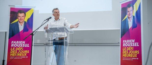 Fabien Roussel lors de son discours à l'université d'été du PCF à Aix-en-Provence, samedi 28 août.