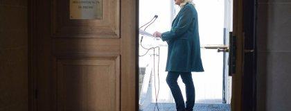 à la suite des mauvais résultats de son parti aux régionales, Marine Le Pen est de plus en plus contestée en interne. é. Tschaen/réa