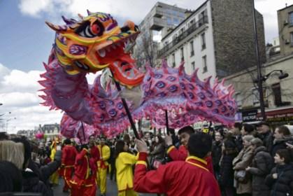 Les festivités du nouvel an chinois, ici à Paris dans le quartier Belleville, ont participé à modifier le regard sur les diasporats chinoises. Jonathan Sokoury/AFP