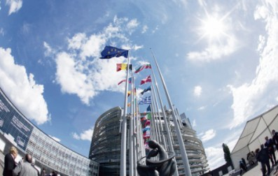 « face à un rejet massif et profond de l'UE, on peut sortir de ces élections avec une Assemblée dominée par le bleu et le bleu foncé. Il y a déjà 120 élus d'extrême droite ! » alerte la députée européenne Marie-Pierre Vieu. Frédéric Maigrot/REA