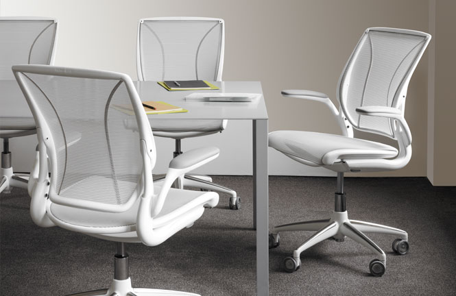 freedom task chair with headrest home store covers diffrient world   ergonomic seating from humanscale