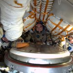 Soyuz-38S-crew-with-spacesuits