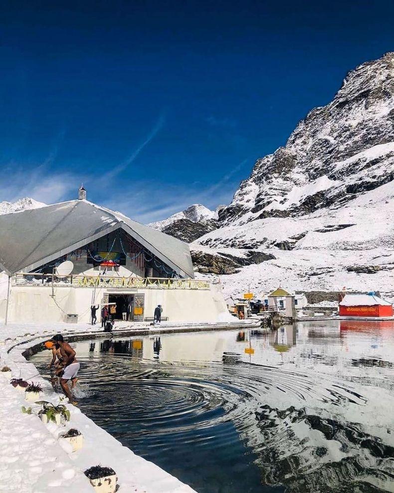 Chamoli Gurudwara Shri Hemkund Sahib