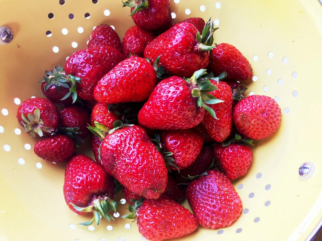 Vanilla-Strawberry cake