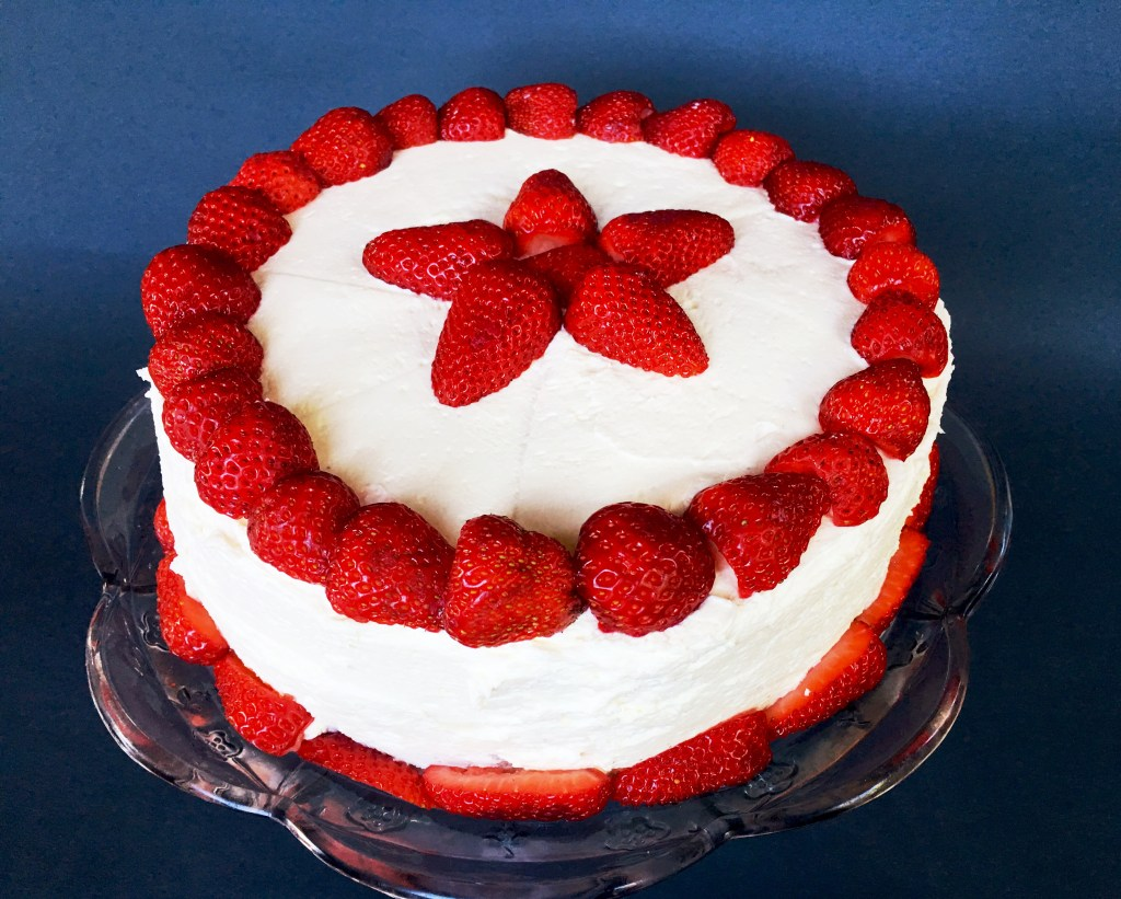 Vanilla Cake with Strawberries and White Chocolate Cream Cheese ...