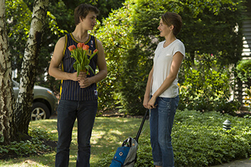 THE FAULT IN OUR STARS 01