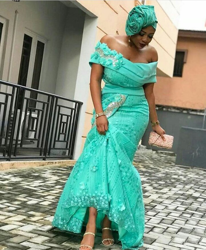 Hairstyle For Wedding Dress Type: Latest Lace Asoebi Styles For Wedding Guests