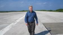 Runway walking - Humphrey Hawksley