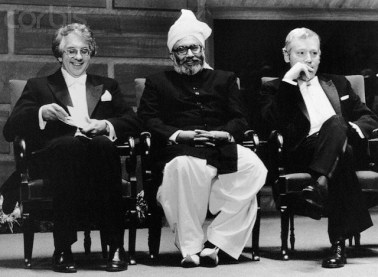 1979, Stockhom, Sweden --- Left to right: Sheldon Lee Glashow, USA, Abdus Salam, Pakistan, and Steven Weinberg, USA, before receiving this years Nobel Prize for physics in Stockholm. --- Image by © Bettmann/CORBIS