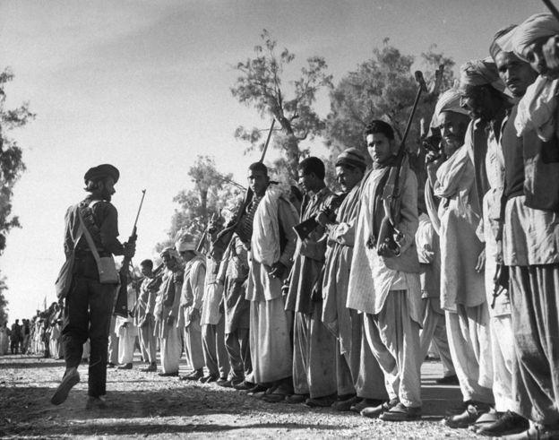 جب قبائلی جنگجوؤں نے کشمیر پر دھاوا بولا