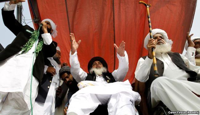 مولوی خادم رضوی کی گندہ گوئی اور خطابت کی احراری روایت