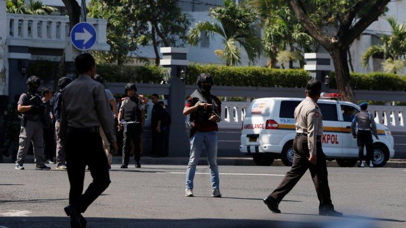 حملے کے بعد پولیس علاقے میں گشت کر رہی ہے