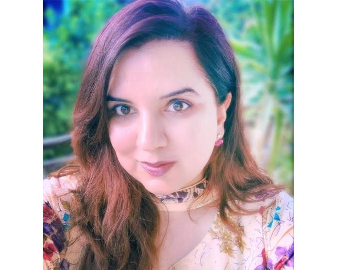 تحریک انصاف اور عسکری اداروں کو نواز شریف کے خلاف شواہد دینے والی نادیہ چوہدری کی پراسرار گمشدگی اور واپسی