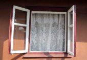 کھڑکیاں کھلی رکھنے کا وہ فائدہ جو ہم نہیں جانتے تھے