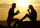 کیا آپ شریک حیات کا مذاق برداشت کر سکتے ہیں؟ اگر نہیں تو یہ بری علامات میں سے ایک ہو سکتا ہے!