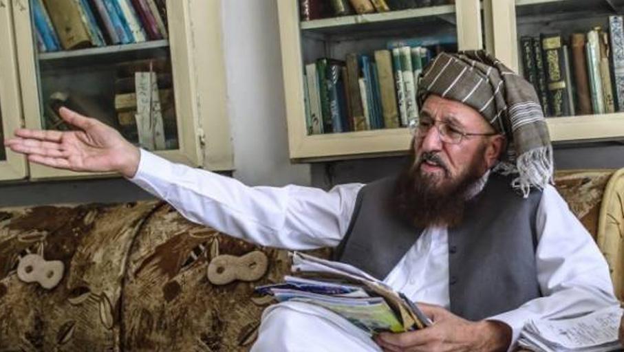 مولانا سمیع الحق کے سیکرٹری سید احمد شاہ سے مبینہ جنسی تعلقات کے شبہ میں خاتون گرفتار