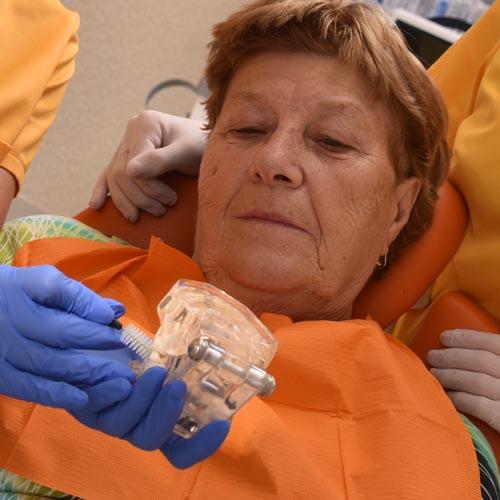 iranyitott biofilm terápia fogmosás