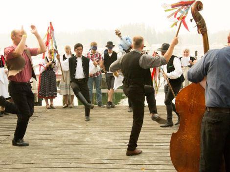men-dancing