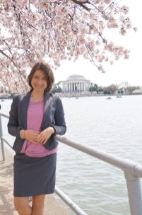 My favorite throwback moment in Washington D.C.: With the Thomas Jefferson Memorial in the background during Cherry blossoms