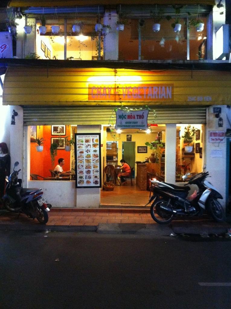 Hoc Hoa Tho, Saigon