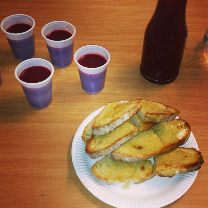Beetroot smoothies and toast
