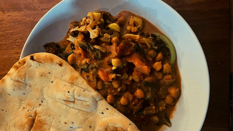 Recipe: Aubergine, Chickpea & Cauliflower Traybake Curry