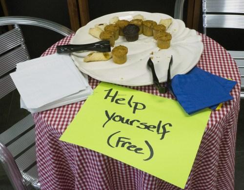 Free dessert tray!