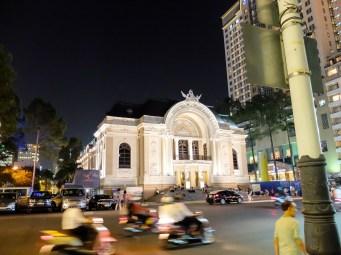 Операта на Сайгон