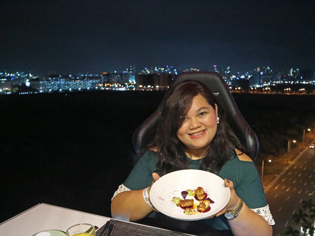 dinner-in-the-sky-philippines-hungrytravelduo