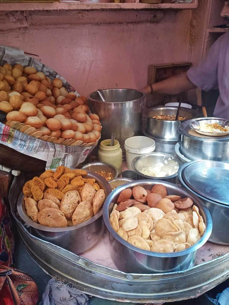 A Chef's Tour Delhi Food Walk - Old Delhi Food Tour - Pani Puri