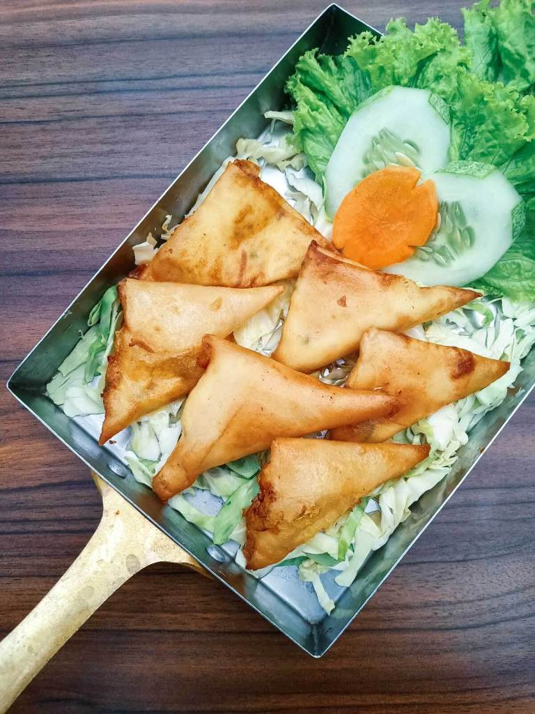 Royal Indian Curry House Eastwood - Cheese Samosa