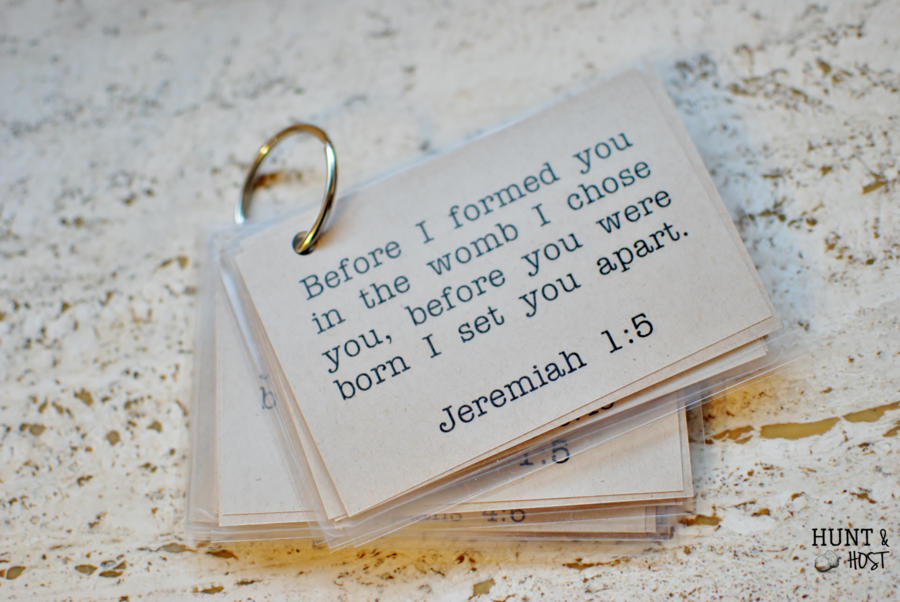 Free printable Bible verse memory cards. Hide God's word in your heart. www.huntandhost.net