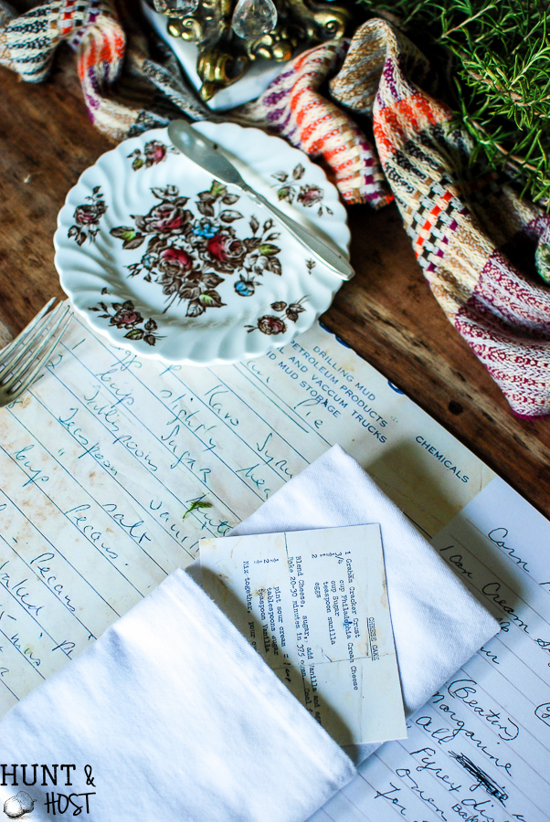 Family heirloom recipe placemats bring all the Thanksgivings past to life. Remember your loved ones and your heritage with this easy DIY placemat, perfect for your Thanksgiving table, Christmas dinner or Easter brunch! www.huntandhost.net
