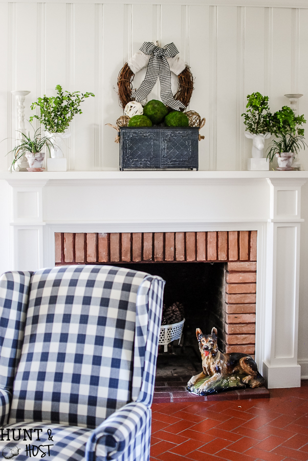 Spring decor diy hounsdtooth buffalo check hunt and host a fresh spring mantel with diy decorative balls bright cheery and neutral spring dcor solutioingenieria Image collections