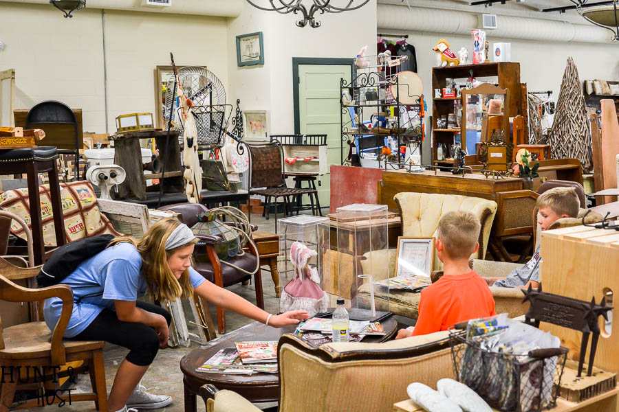 Just down the road from Waco is Bryan, Texas, full of thrift store, antique stores and great shopping venues, this is a complete list of the best places to shop in Bryan, TX