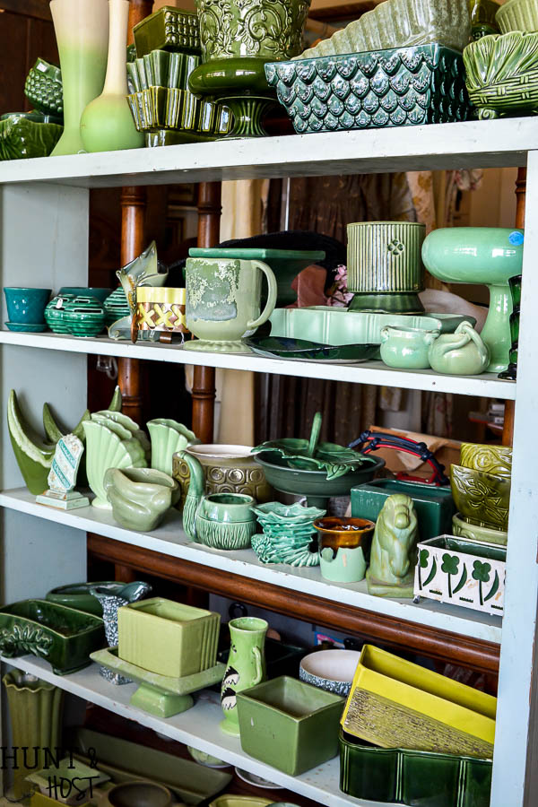 The best places to shop in Bryant, Texas. A complete list of shopping spots in Bryan/College Station for antiques, junk, thrift stores, furniture and home décor.