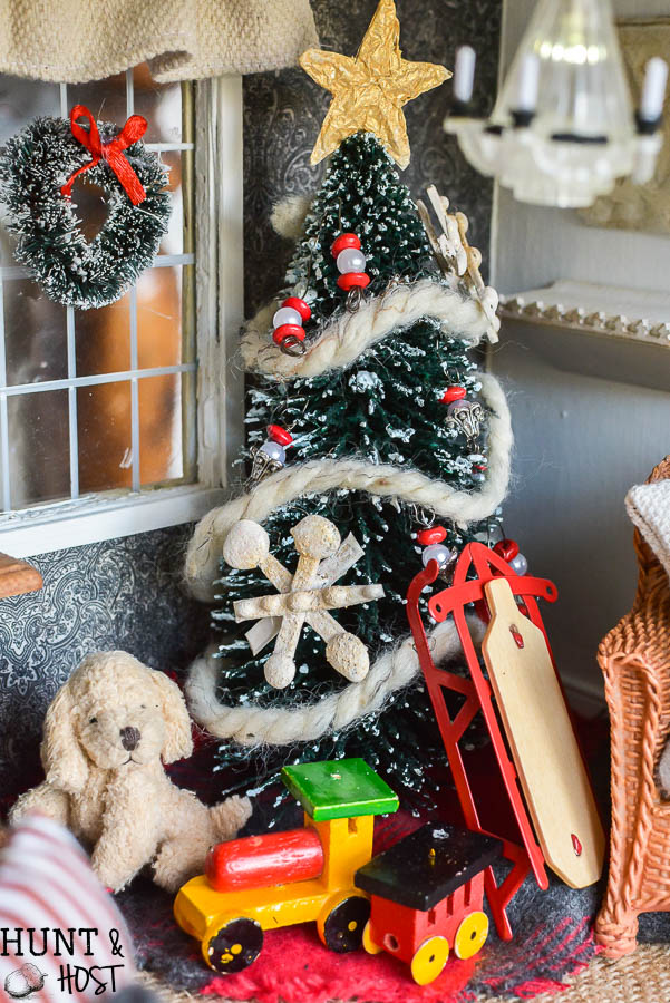 christmas dollhouse decorating ideas festive food holiday pillows handmade ornaments and a gorgeous - Dollhouse Christmas Decorations
